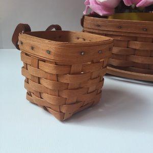 Small 1983 Longaberger Key Basket